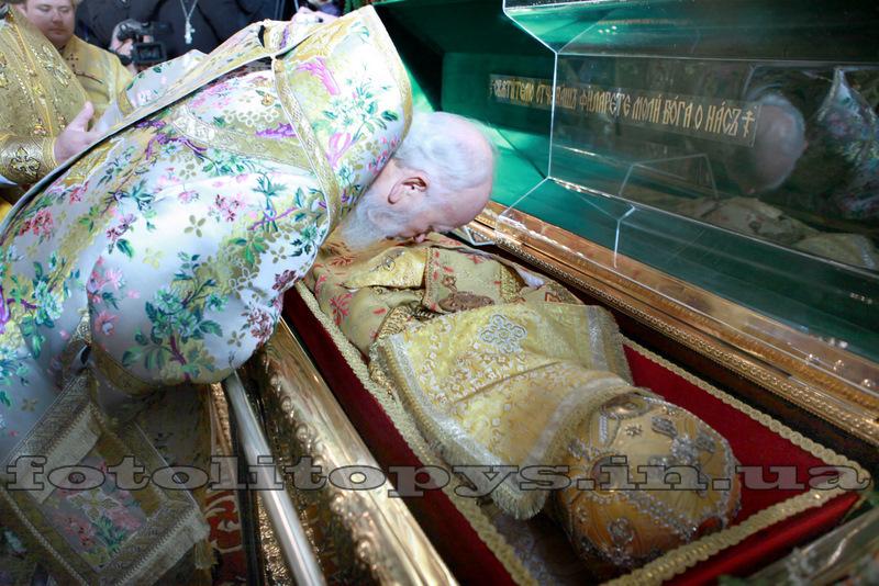 PF Vladimir la moastele Sf Filaret de Cernigov